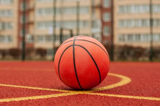 Close-up van een basketbalbal