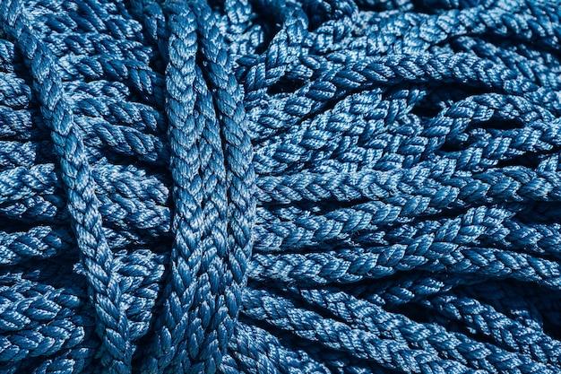 Close-up van een blauwe kabel