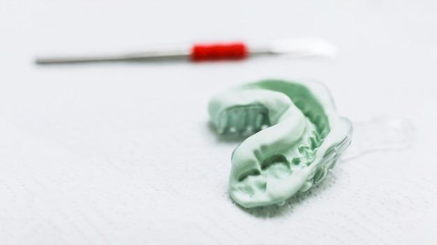 Close-up van een tandheelkundige indruk
