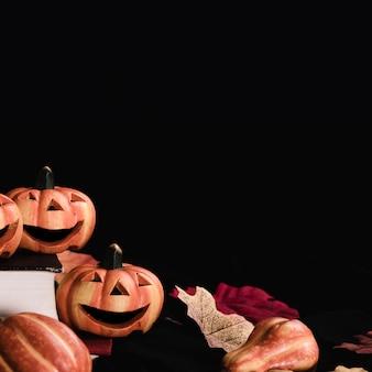 Close-up van jack-o'-lantaarns met kopie ruimte