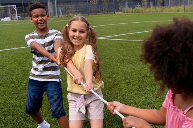 Close-up van kinderen die samen spelen