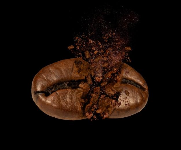 Close up van koffieboon explosies