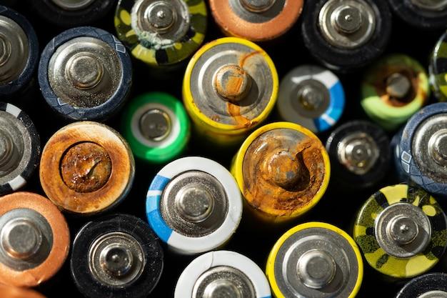 Close-up van lege batterijen
