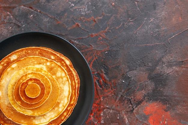 Close-up van lekker ontbijt met pannenkoeken Gratis Foto