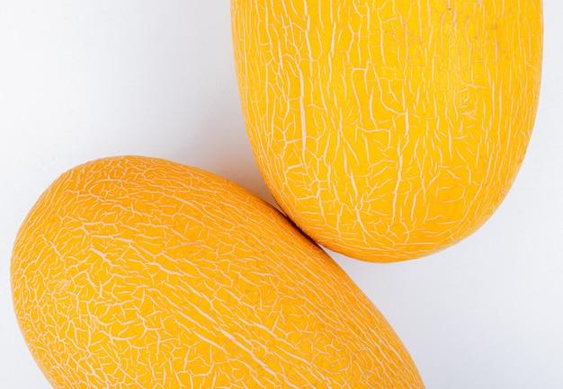 Close-up van meloenen op witte achtergrond