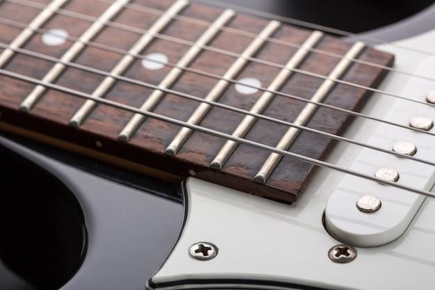 Close-up van moderne elektrische gitaar