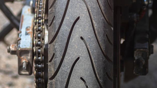 Close up van motorfiets wiel