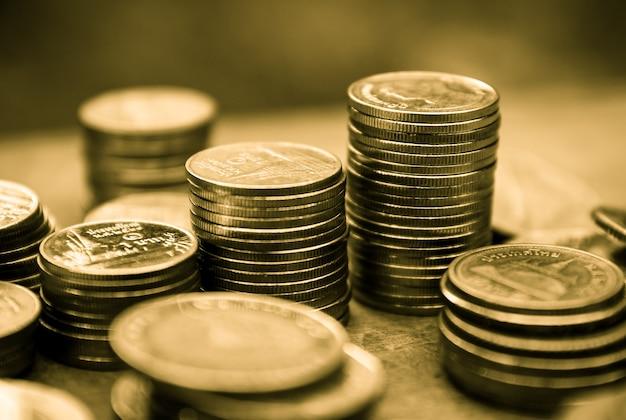 Close-up van munten voor groei bedrijfsconcept