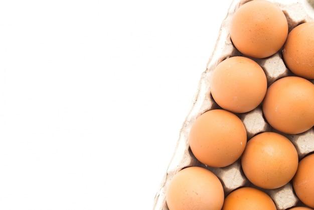 Close-up van ongekookte eieren