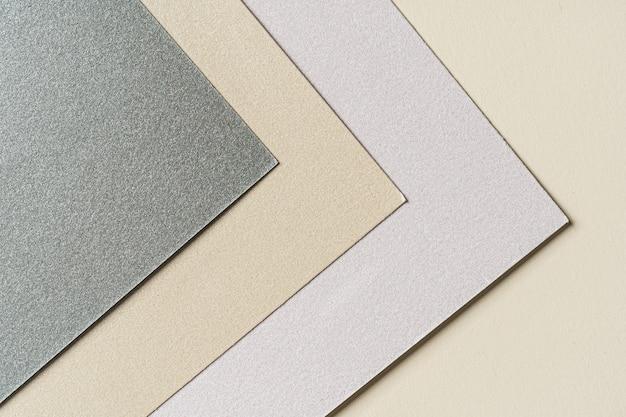 Close up van papierstalen voor ambachten