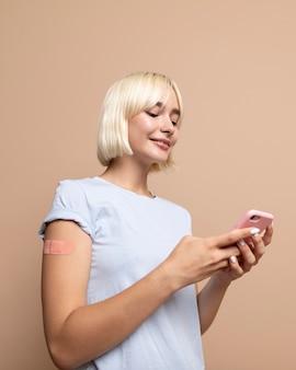 Close-up van persoon na vaccinatie