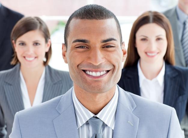Close-up van succesvol commercieel team
