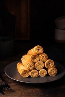 Close-up van vers gebakken pannenkoeken op een bord