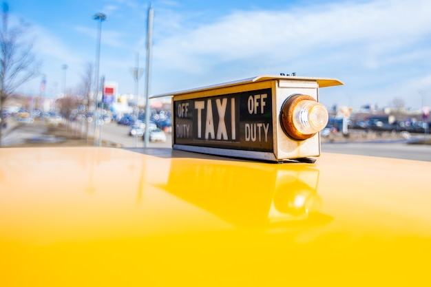 Close-up van vintage amerikaanse taxi-elementen