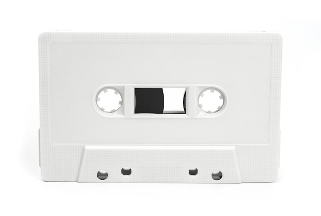 Close-up van vintage audiobandcassette op witte achtergrond