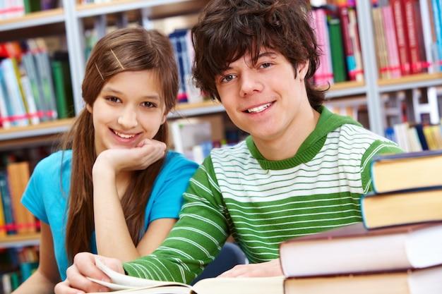 Close-up van vrolijke tieners