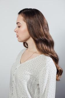 Close-up van vrouwelijk gekapte kapsel geïsoleerd
