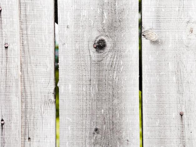 Close-up van witte houten geweven omheining
