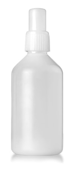 Close up van witte plastic fles op witte achtergrond met uitknippad