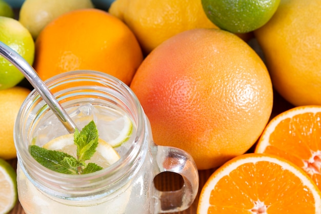 Close-up verse citrusdrank
