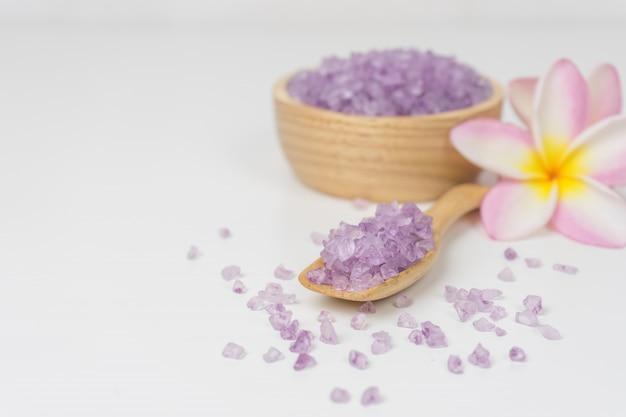 Close-up zeezout spa. zeezout spa lavendel.
