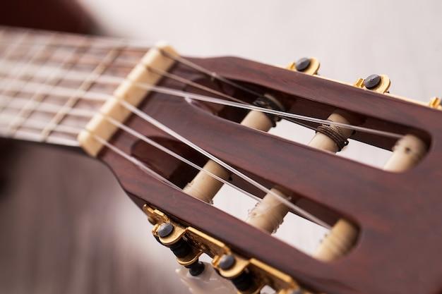 Close-upbeeld van gitaar fingerboard