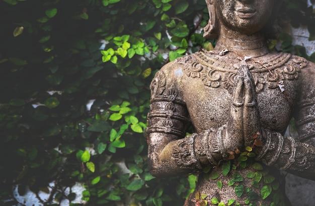 Close-upboeddhisme voor standbeelden of modellen van het portret van boedha