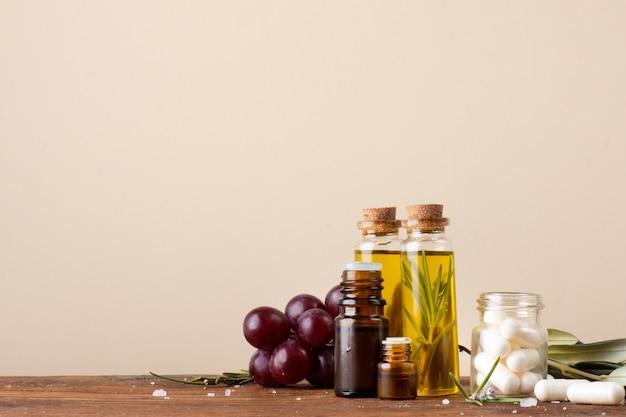 Close-upflessen met olie en pillen op de lijst
