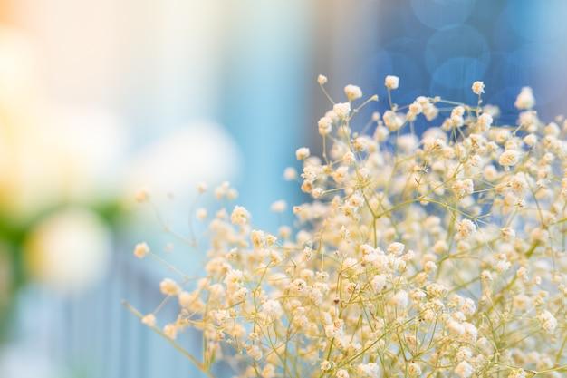 Close-upfoto van een boeket van bloemen