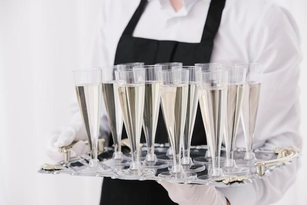 Close-upglazenhoogtepunt van champagne