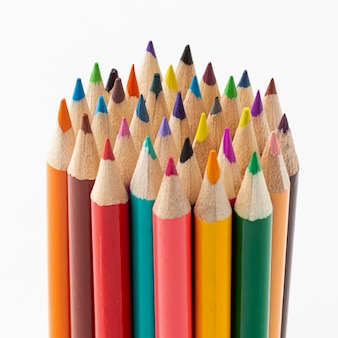 Close-upmening van kleurrijke potloden