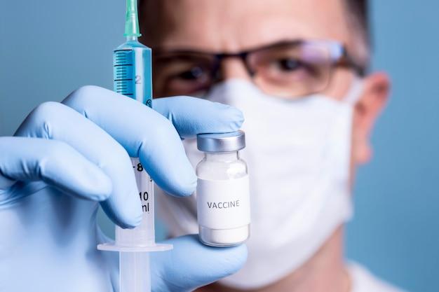 Close-upmening van wetenschapsconcept met chemicus
