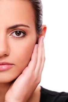 Close-upportret van jong vrouwengezicht