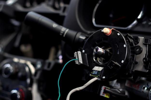 Closeup auto stuurwiel reparatie na het ongeval