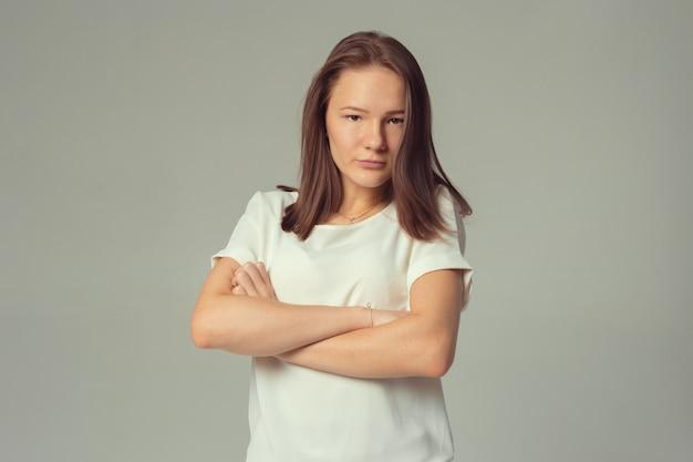 Closeup portret, triest jonge vrouw
