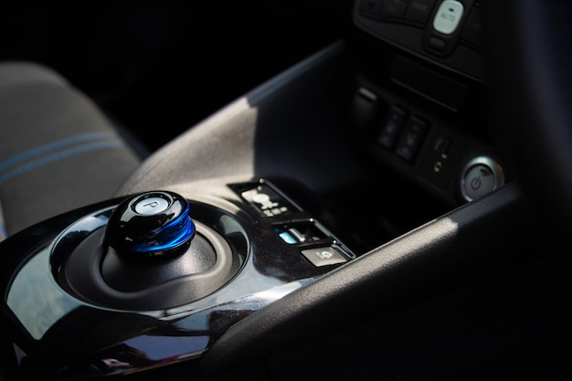 Closeup versnelling elektrische auto