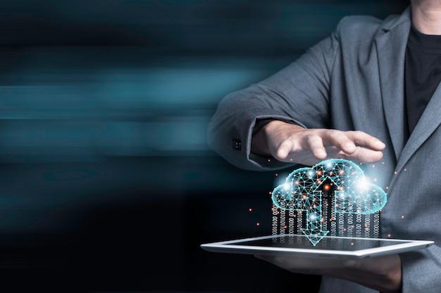Cloud computing-technologie transformatie concept, zakenman aanraken op virtuele wolk