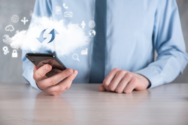 Cloud technologie. cloudopslagbord met twee pijlen op en neer op donker. cloud computing, big datacenter, toekomstige infrastructuur, digitaal ai-concept. virtueel hostingsymbool.