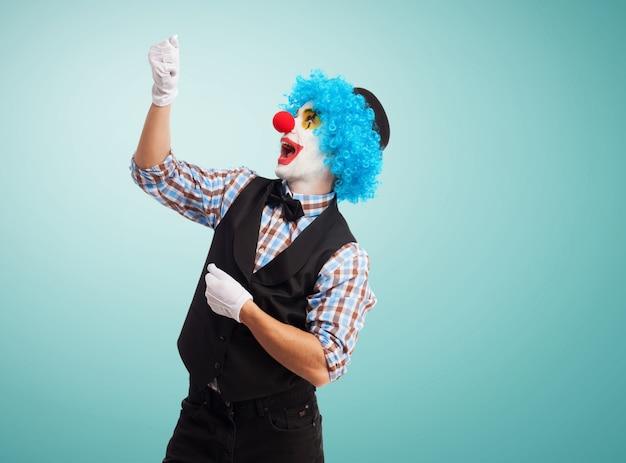 Clown met een denkbeeldig koord