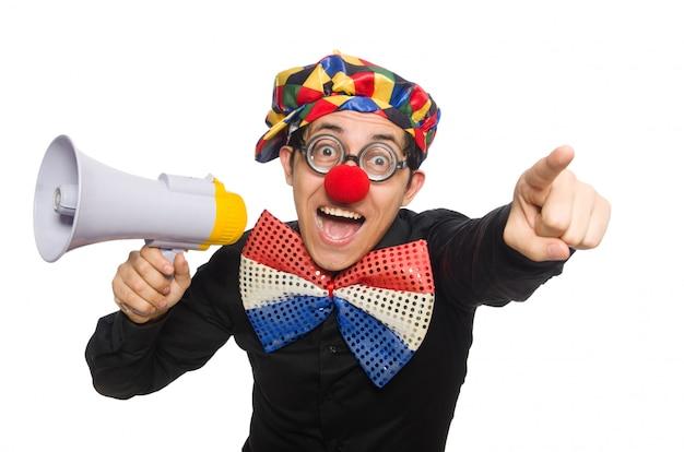 Clown met luidspreker op wit wordt geïsoleerd dat