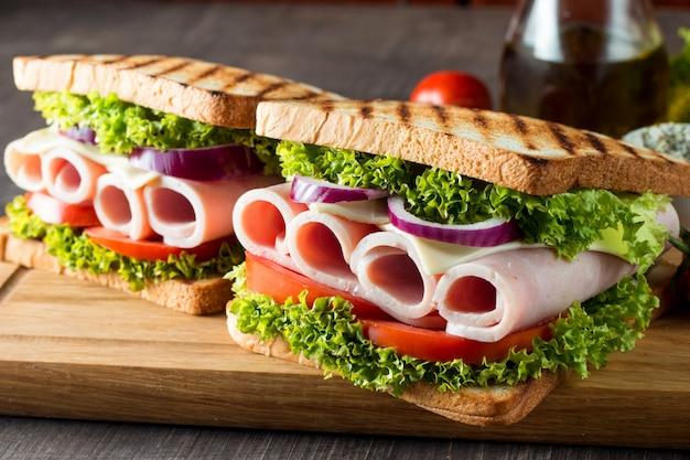 Clubsandwich.