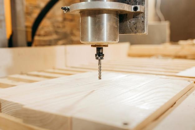 Cnc-boormachine is het bewerken van hout
