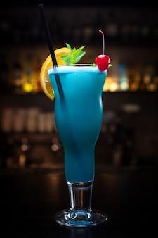 Cocktail blauw hawaii