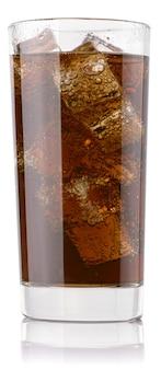 Cola glas geïsoleerd bestand bevat een pad om te snijden