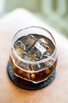 Cola met ijs