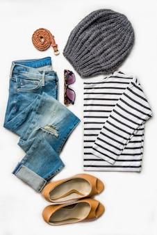 Collage van vrouwelijke kleding set.