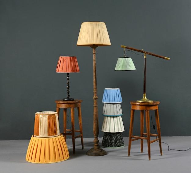 Collectie van kleurrijke geplooide vintage lampenkappen