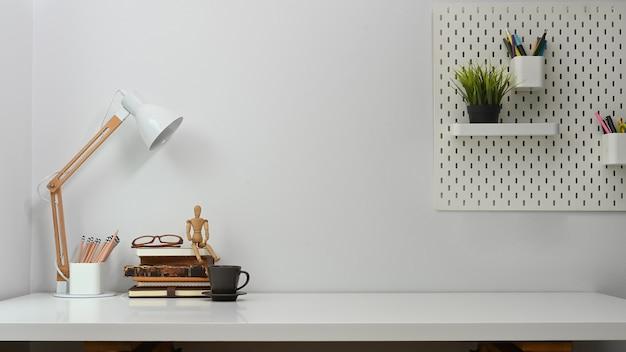 Comfortabele werkruimte, moderne werkplek.