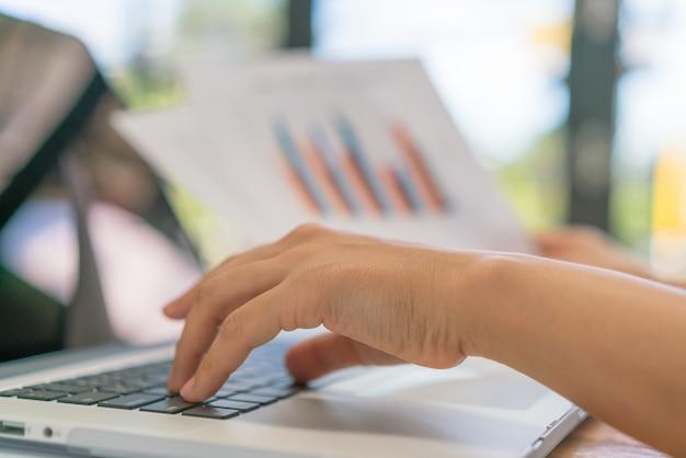 Commerce grafieken financiën gegevens fondsen