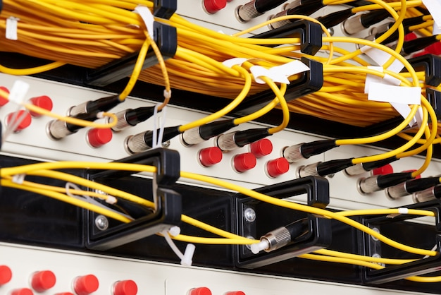 Communicatieapparatuur voor internetdiensten.